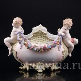 Ваза Путти с гирляндой цветов, Muller & Co, Германия, кон. 19 - нач. 20 вв
